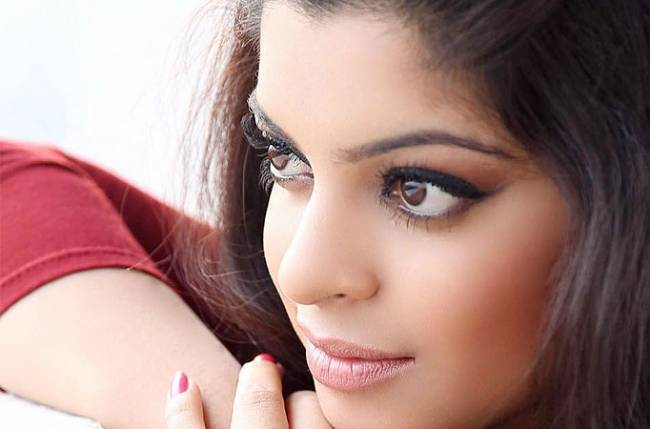 Sneha wagh campaigns for equality and empowerment to women it is said that experiences make a person stronger and confident to face problems boldly the same can be said of popular actress sneha wagh who has been voltagebd Choice Image