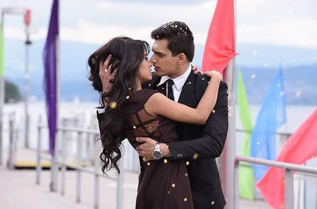 OMG! Naira to REFUSE Karthik's love proposal in Star Plus