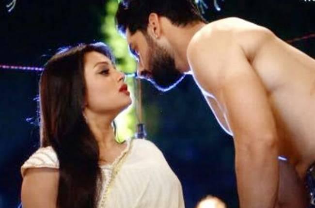 Hot romance: Mehek to SEDUCE Shaurya in Zindagi Ki Mehek