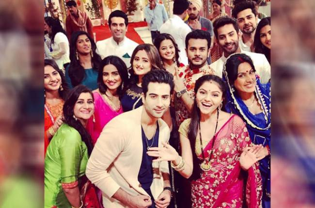 Colors' leads to perform 'Maha Aarti' in Shakti