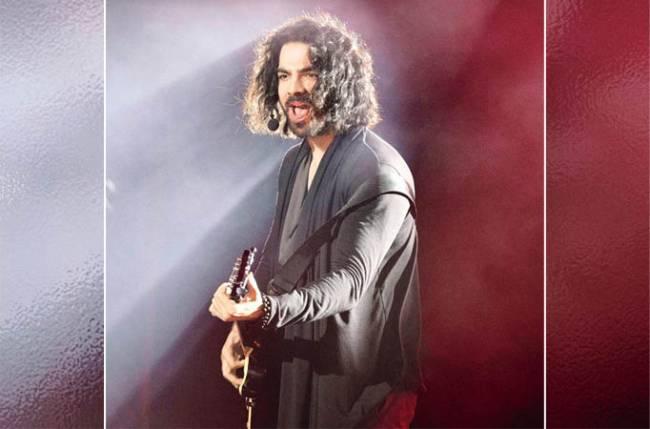 Karan V Grover flaunts rugged look for 'Spotlight 2'