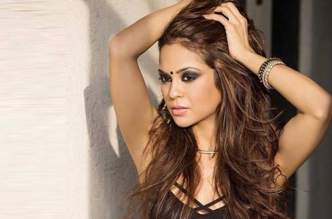 Sana Saeed Nude Photos 57