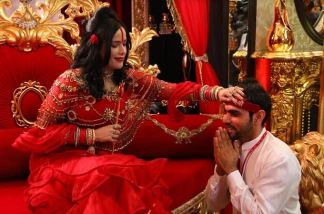 Shree Radhe Maa Hot