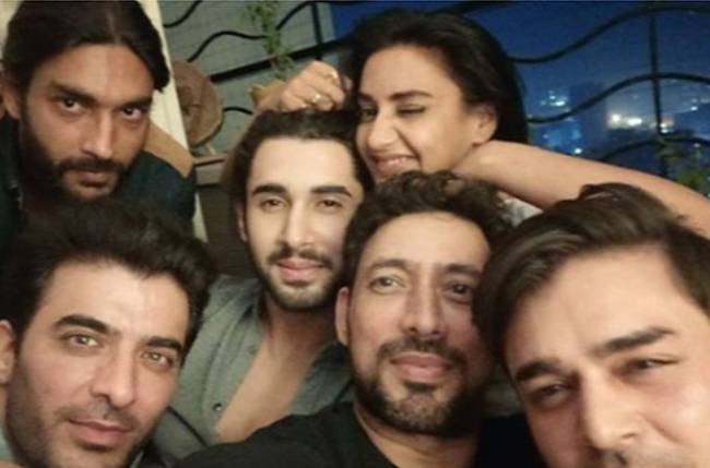 Reunion time for the cast of Sony TV's Porus