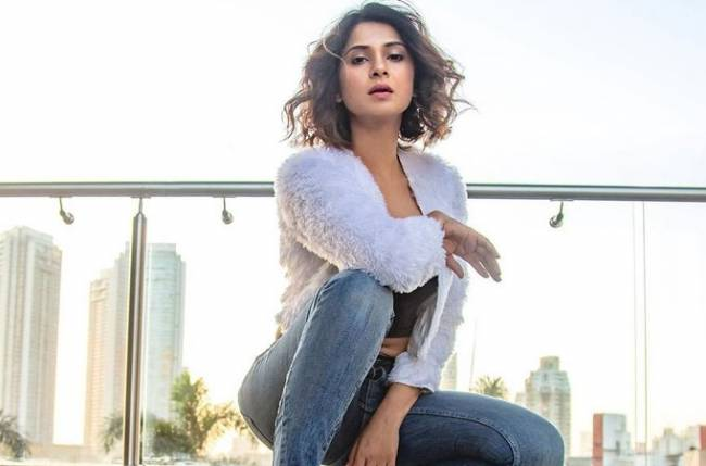 Must check: Jennifer Winget's sensuous photo and her tattoo