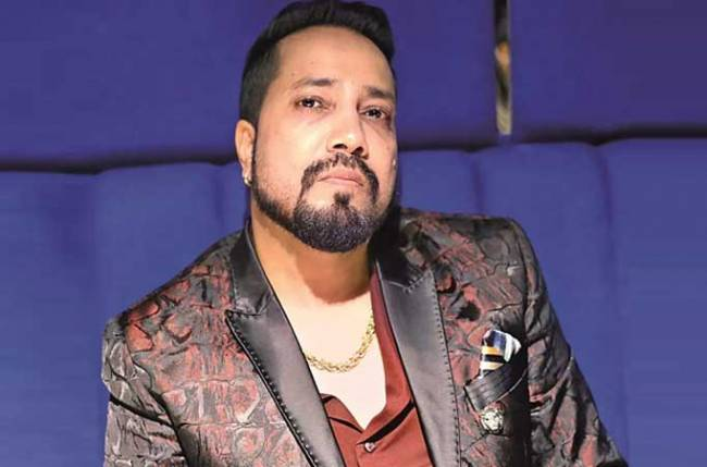Film body boycotts Mika Singh after performance in Karachi