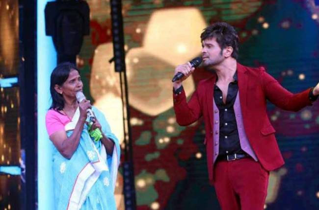 Himesh Reshammiya fulfills his promise, records with viral singer Ranu Mandol