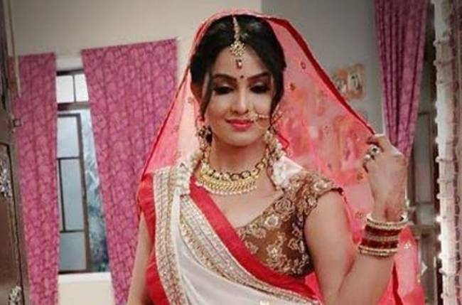 Shubhangi Atre AKA Angoori Bhabhi looks elegant in these candid clicks