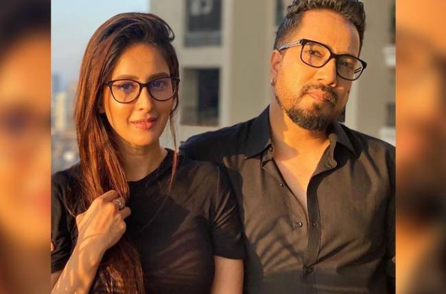 Chahatt Khanna breaks silence on #QuarantineLove with Mika Singh; read details