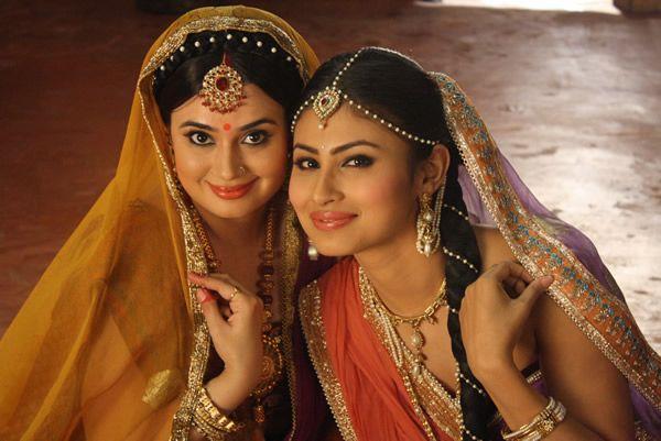 Beautiful mother-daughter duo