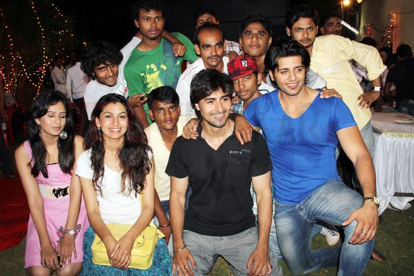 Cast and crew of Saubhagyavati Bhava