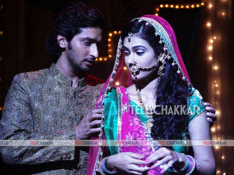 Akanksha Singh (Megha) and Kunal Karan Kapoor (Mohan)