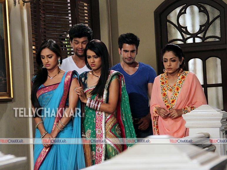 Niaa Sharma, Kushal Tandon, Krystle Dsouza, Indu Verma and Karan Tacker