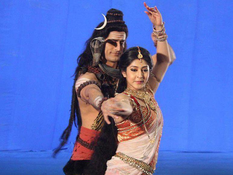 Is sonarika bhadoria married in real life