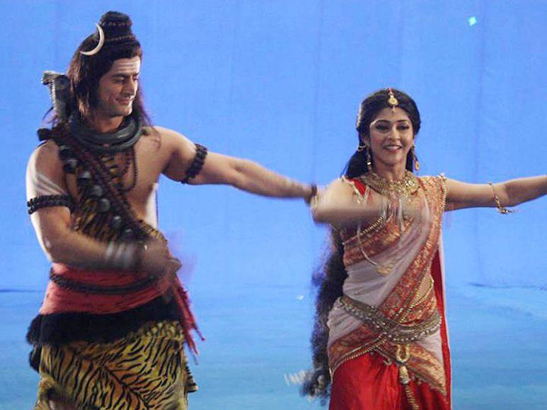 Mohit raina and sonarika bhadoria dating