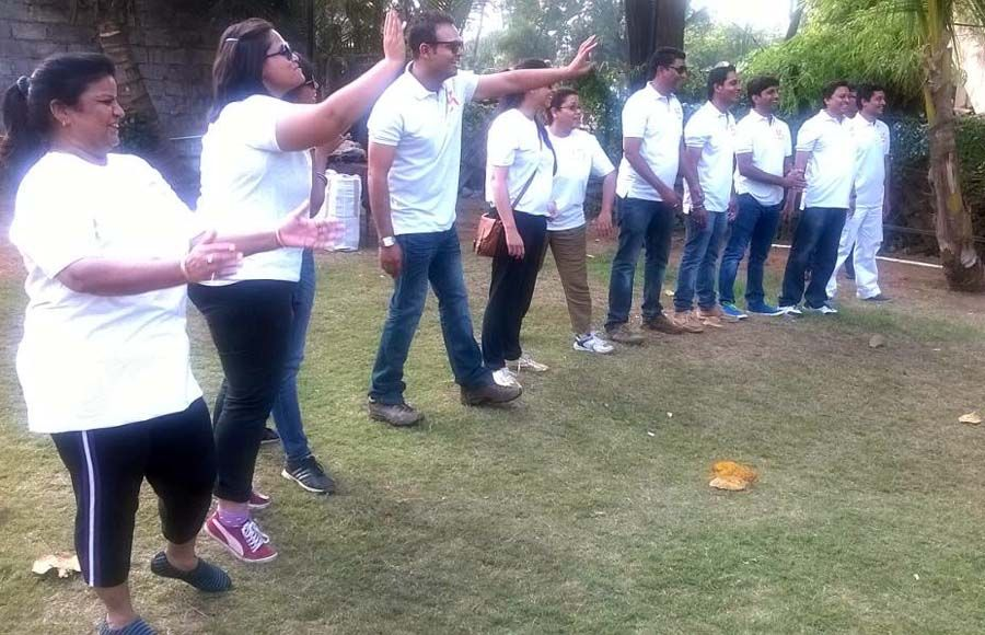 Producer Siddharth Tewari celebrates his birthday with the cast of Mahabharat