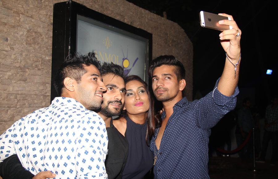 Sana khan ,Krystle D'Souza,Nia sharma,Adaa Khan ,Dimple Jhangiani and Jasveer Kaur