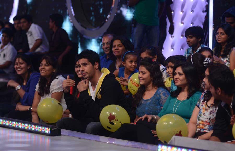 L-R Prachi Desai, Siddharth Malhotra and Shraddha Kapoor on the sets of Jhalak Dhhikla Jaa