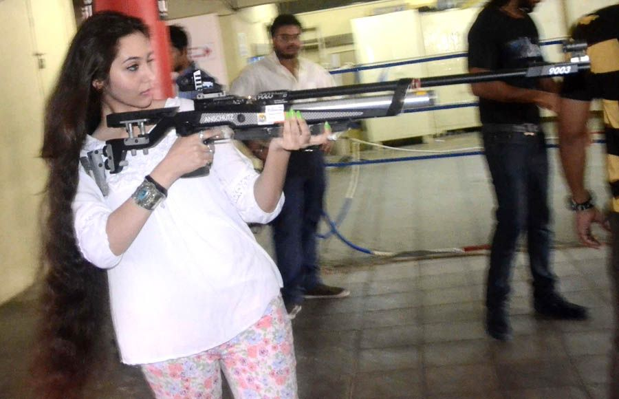 Cast of Desi Kattey at Mumbai Mayor Cup Shooting Competition