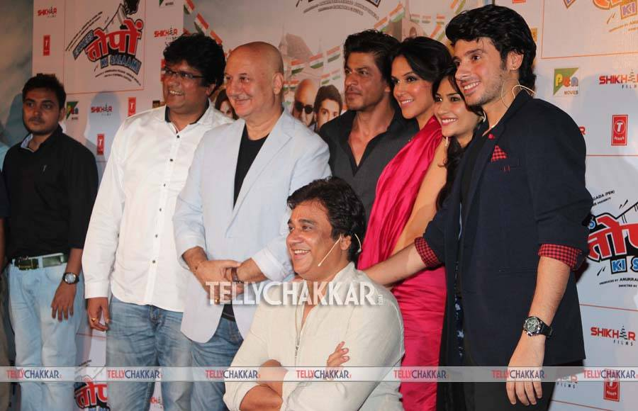 Neha Dhupia and Shah Rukh Khan
