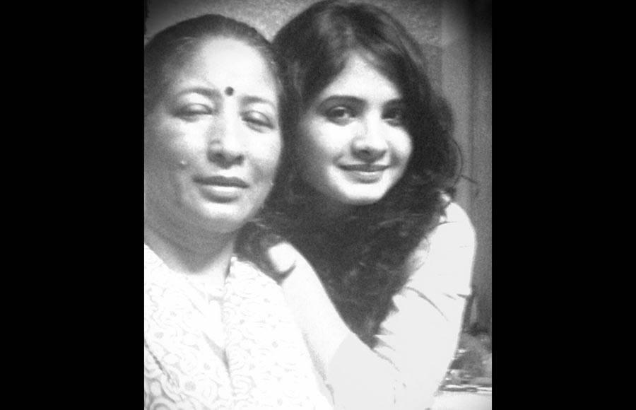 Deepika Singh and mom Rani