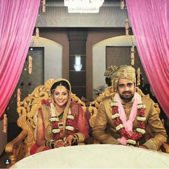 avinash and shalmalee dating website