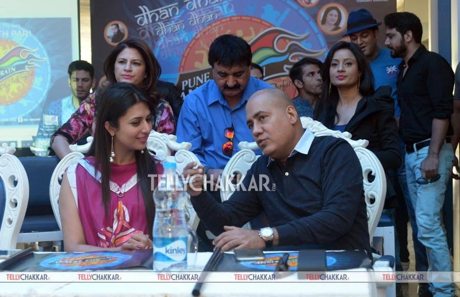 Divyanka Tripathi and Mr Ishu Datwani (Founder, Anmol Jewellers and Owner/Chairperson Pune Anmol Ratn)