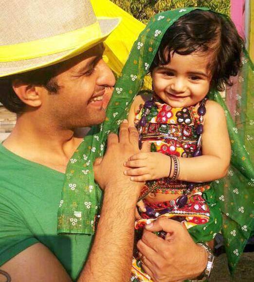 Arjun Bijlani with Ayaan