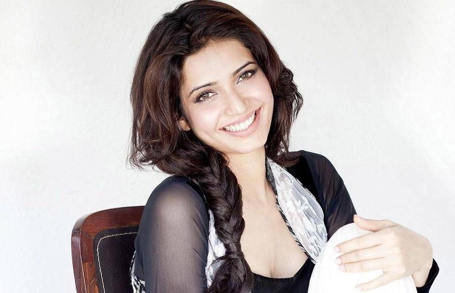 Niti Taylor has also starred in Telugu, Malyalam and Oriya movies like Mem Vayasuku Vacham, Kaliyugam, Pelli Pustakam, Love Dot Com.