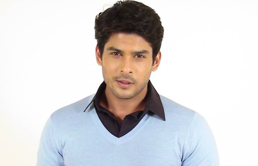 Sidharth Shukla- The handsome hunk was charged with drink and drive case.