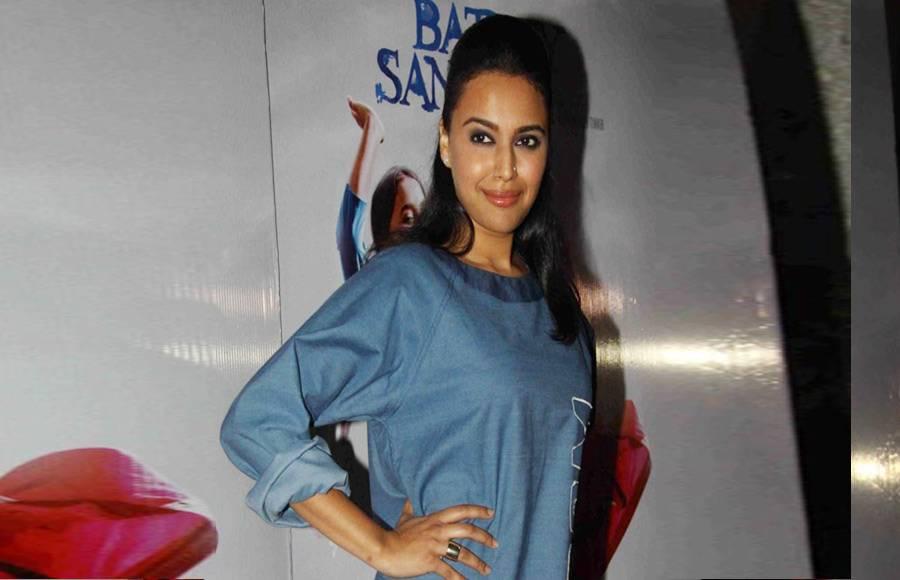 Swara and a friend at the special screening of Nil Battey Sannata