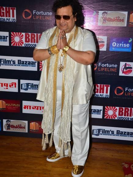 Mukesh Khanna Awarding Asit Modi