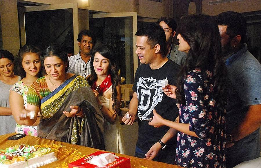 Producer Yash Patnaik, Supriya Pilgaonkar, Shaheer Sheikh and Erica Fernandes