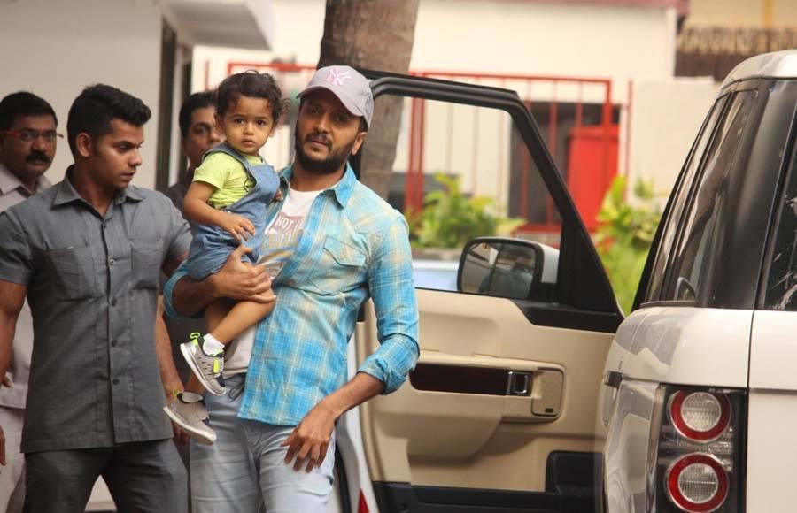 Raj Kundra and Shilpa Shetty along with their son Viaan