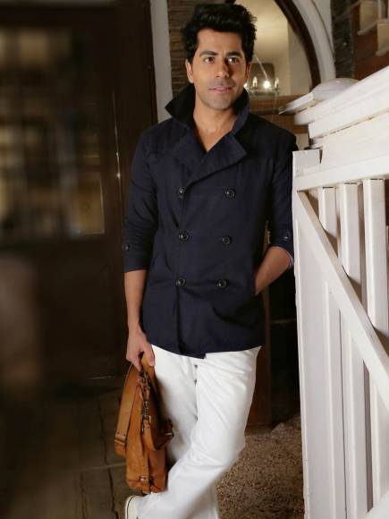 Varun Kapoor- Like his co-star Tejaswi, Varun also holds a degree in electrical engineering