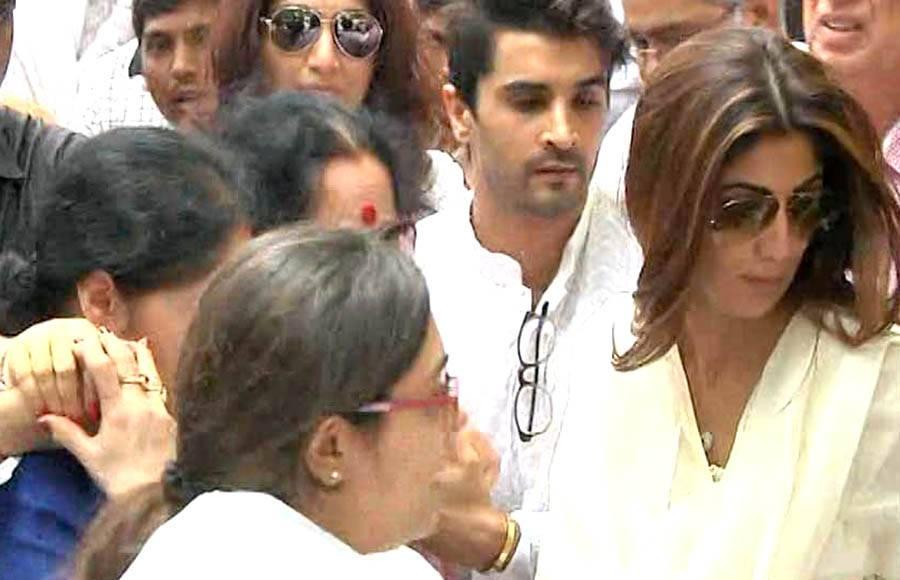 Shilpa Shetty's father's funeral pics