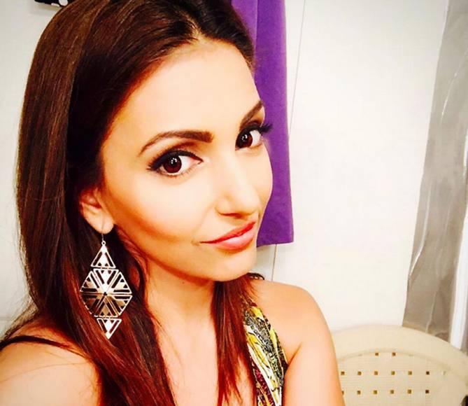 Navina Bole (Tia of Ishqbaaaz)
