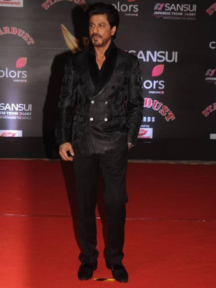 Shah Rukh Khan, Amitabh Bachchan with Jaya and Aishwarya Rai Bachchan