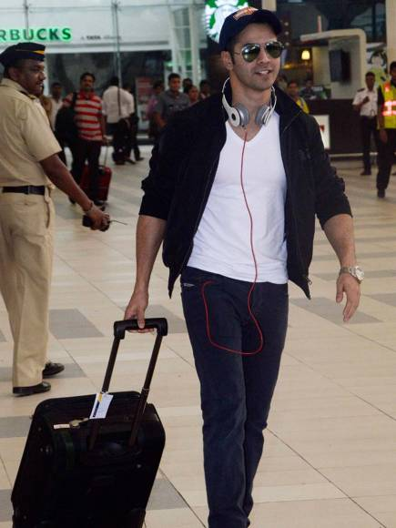 Bollywood stars and their uber cool 'airport' looks