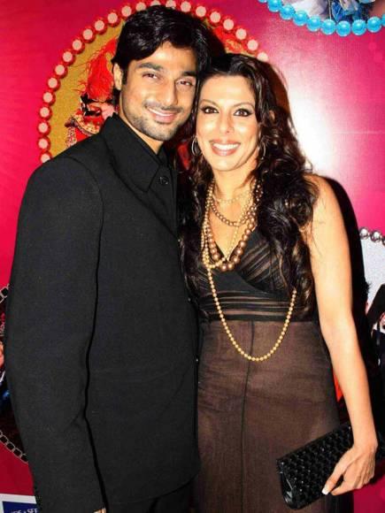 Kapil nirmal and anjali abrol wedding bands