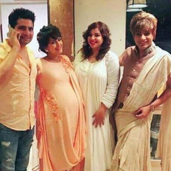 Awwwdorable: Nisha Rawal's Baby Shower