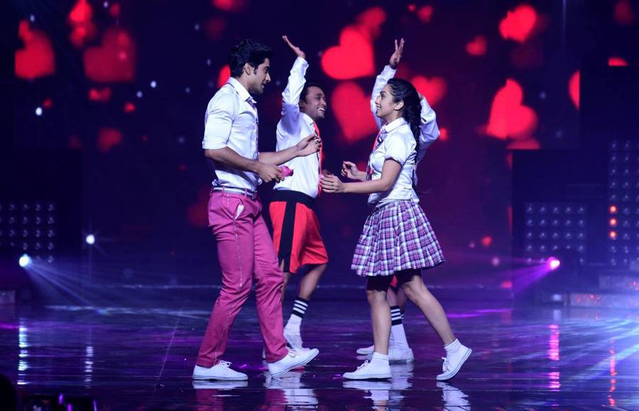 Bharti Singh and Harsh as Salman and Sonakshi on the sets of Nach Baliye