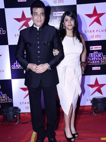 JItendra Kapoor & Ekta Kapoor at STAR Parivaar Awards.