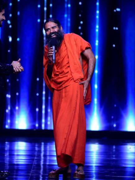 Baba Ramdev performing Yoga with Brent on the sets of Nach Baliye 8