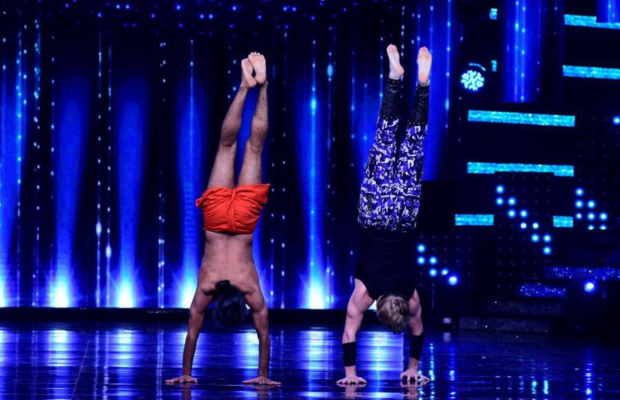 Baba Ramdeb performing Yoga on the sets of Nach baliye 8