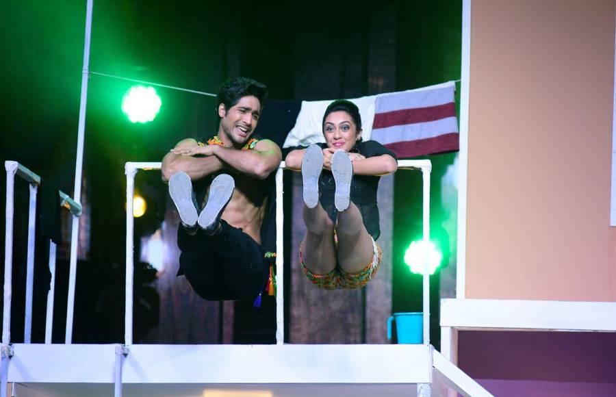 Mohit - Sanaya performing on the sets of Nach Baloye 8