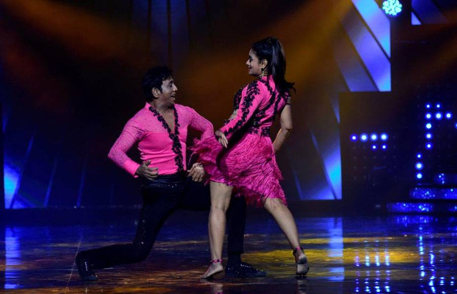 Wild Card contestants - Monalisa & Vikrant on the sets of Nach Baliye 8