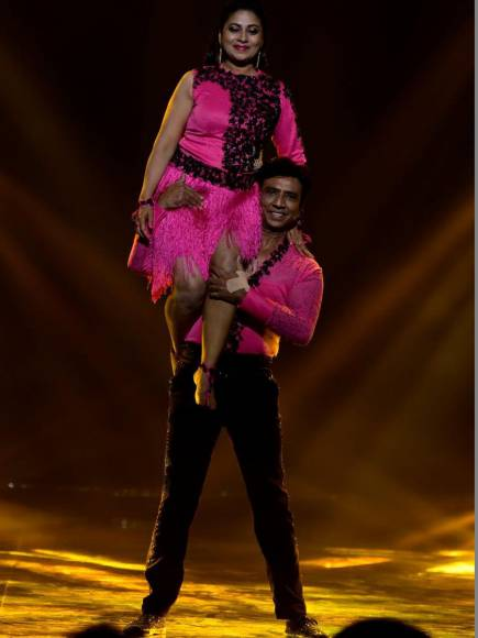 Wild Card contestants - Utkarsha - Manoj on the sets of Nach Baliye 8