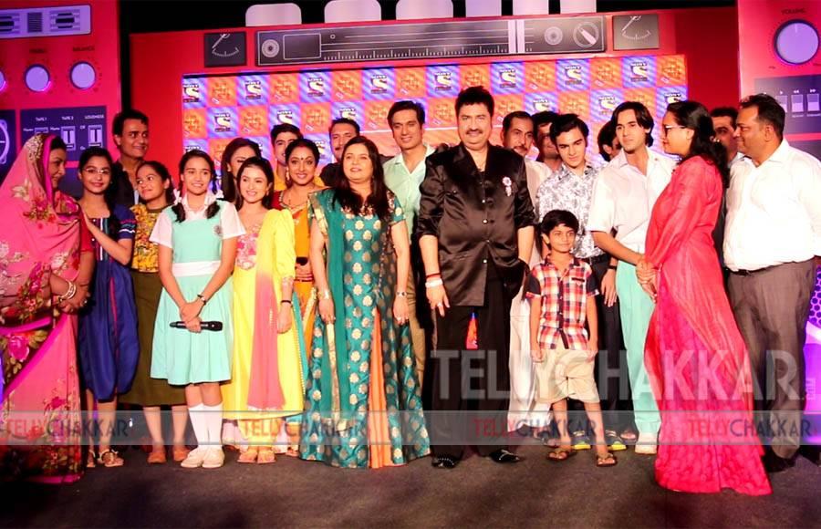 Ye Unn Dino Ki Baat Hai cast along with producers Shashi and Sumeet Mittal and singers Kumar Sanu Sadhana Sargam