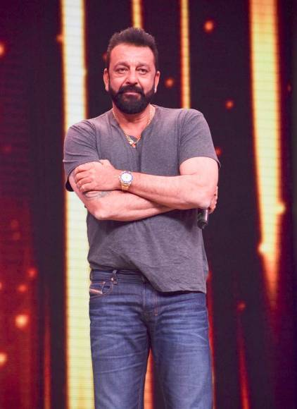 Sanjay Dutt on the sets on Sa Re Ga Ma Pa Li'l Champs